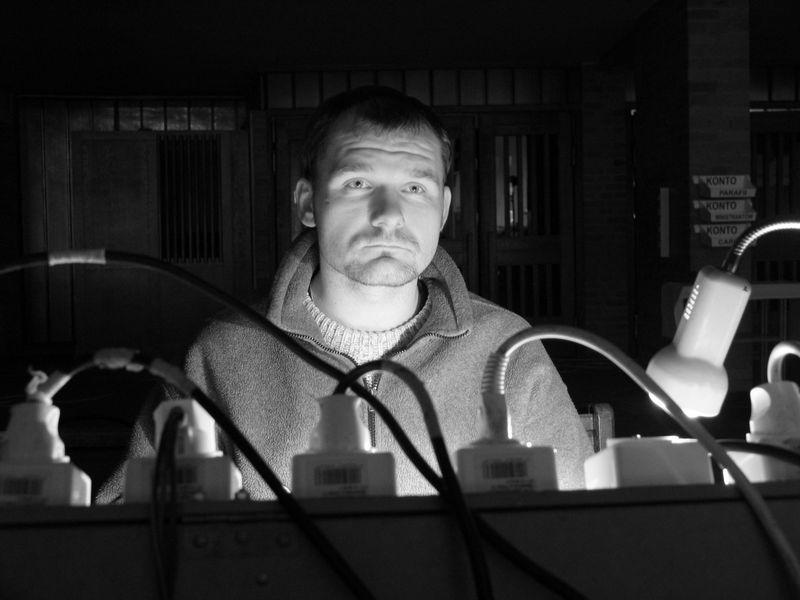 Droga Krzyżowa - Lider za konsolą świateł